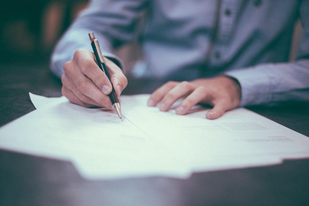 Quels sont les avantages du contrat à durée indeterminée?